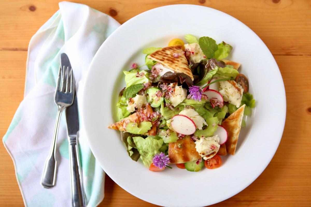Grilled Halloumi Fatoush Salad-1